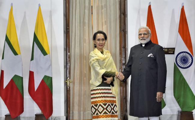 PM Modi Meets Aung San Suu Kyi, Discusses Bilateral And Regional Ties