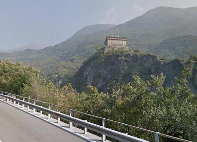 Castello di Verrès visto dalla SR45