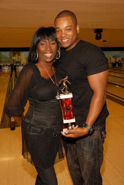 KiKi Shepards 8th Annual Celebrity Bowling Challenge (2011) - DSC_0986.JPG