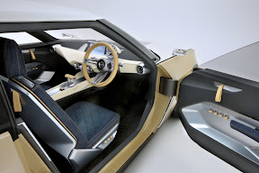 Nissan IDx Freeflow in the Driver Seat