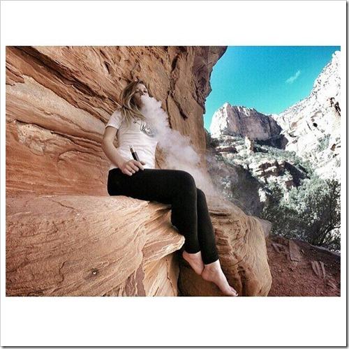 CdMJU0SXEAAa6 g thumb%25255B2%25255D - 【キレイなVaperは】世界中のVaping Lady(ベープガール)の写真を集めてみたサタデーナイトフィーバー【嫌いですか?】