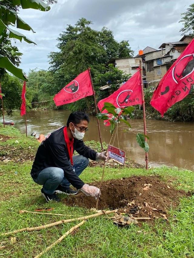 HUT Partai Ke-48, DPC PDI Perjuangan Kabupaten Bekasi Tanam 4800 Bibit Pohon