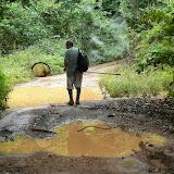Patrick sur une piste près de Cacao (Guyane), 28 novembre 2011. Photo : C. Renoton