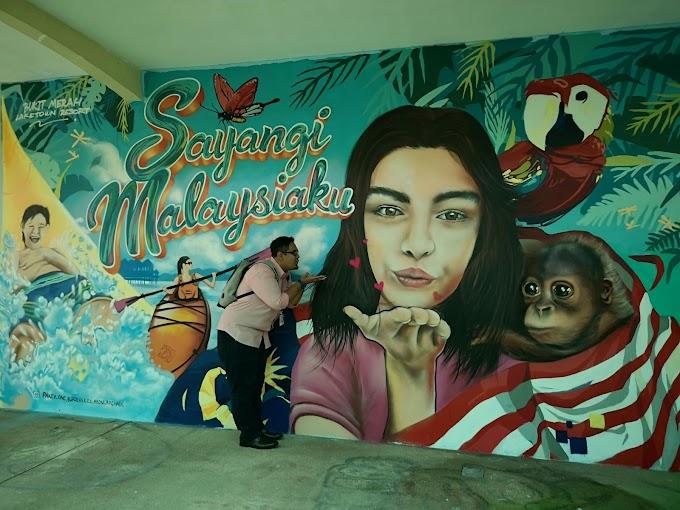 Tarikan Lukisan Mural Di Bukit Merah Laketown Resort