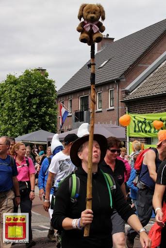 Vierdaagse van Nijmegen door Cuijk 20-07-2012 (98).JPG