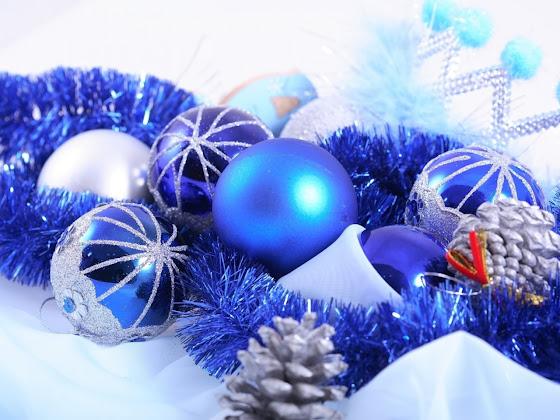 besplatne Božićne pozadine za desktop 1280x960 free download kuglice za bor čestitke blagdani Merry Christmas