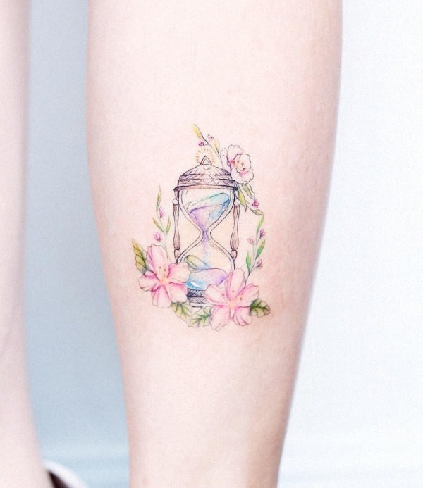 Hourglass-tattoo-tattoos-for-women-e1484038099411-780x900