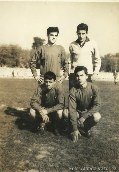 2.-Jose L. Garijo Burillo, Abad Lobo, Requena y Achucarro,  en las pistas. foto de Alfredo Vazquez_resize