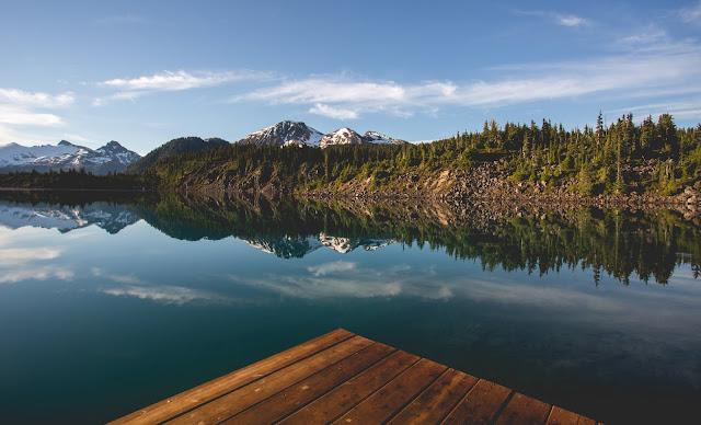 Garibaldi Lake sunrise. Photographer Isaac Wray