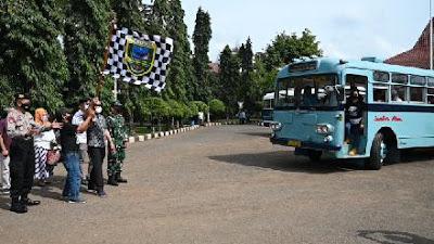 Pemkab Kebumen Hadirkan Paket Wisata dalam Kota Gunakan Bus Antik