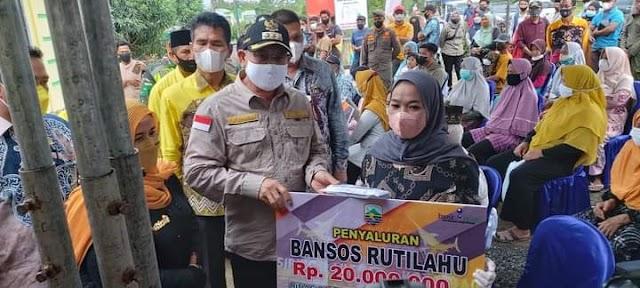 100 Hari Kerja Bupati Kotabaru Sebar Bansos ke Kecamatan