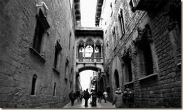 Puente elevado Barrio Gótico