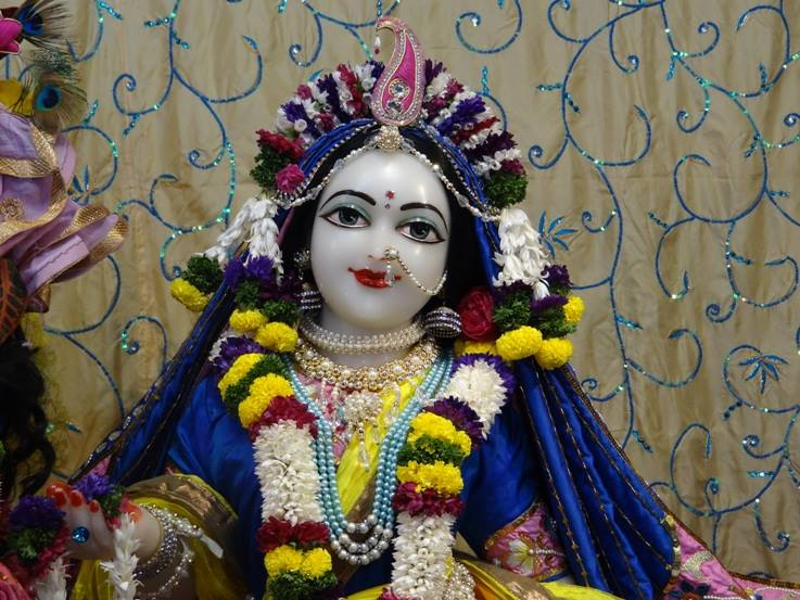 ISKCON Nigdi Deity Darshan 22 Jan 2016 (3)