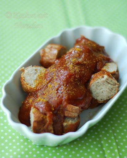 Currywurst mit Pflaumen-Curry-Sauce