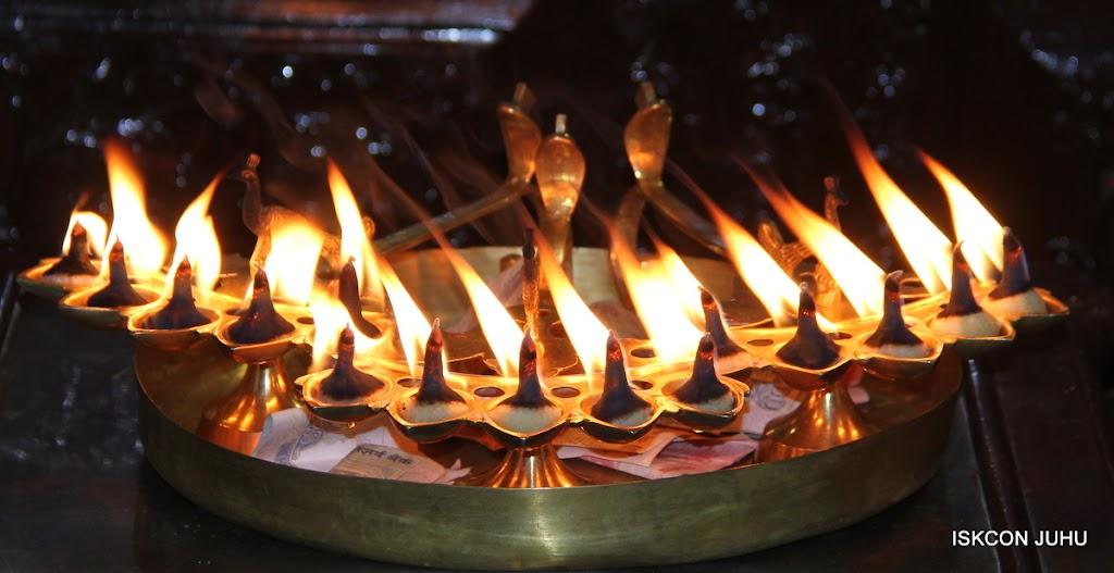 ISKCON Juhu Mangal Deity Darshan on 28th Aug 2016 (4)