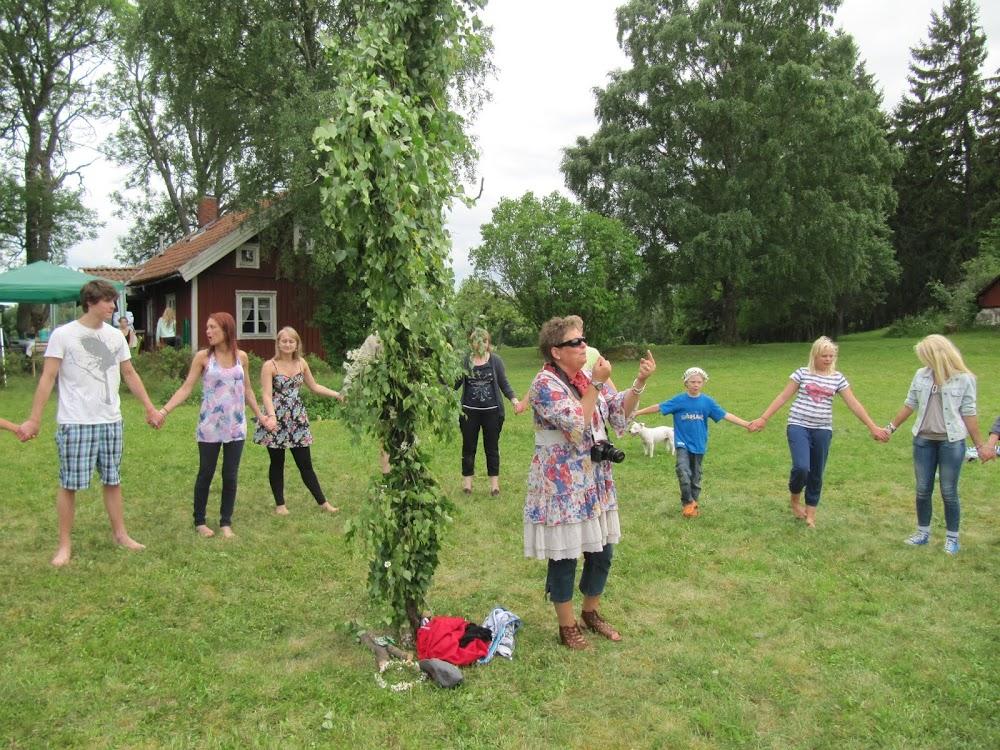 Dancing around the Midsommar pole