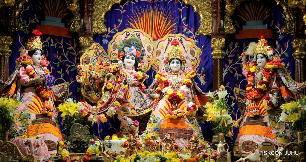 ISKCON Juhu Sringar Deity Darshan 10 Jan 2017 (35)