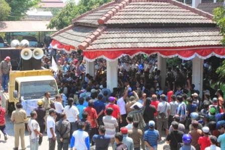 berita terkait demo tolak RUU Pilkada