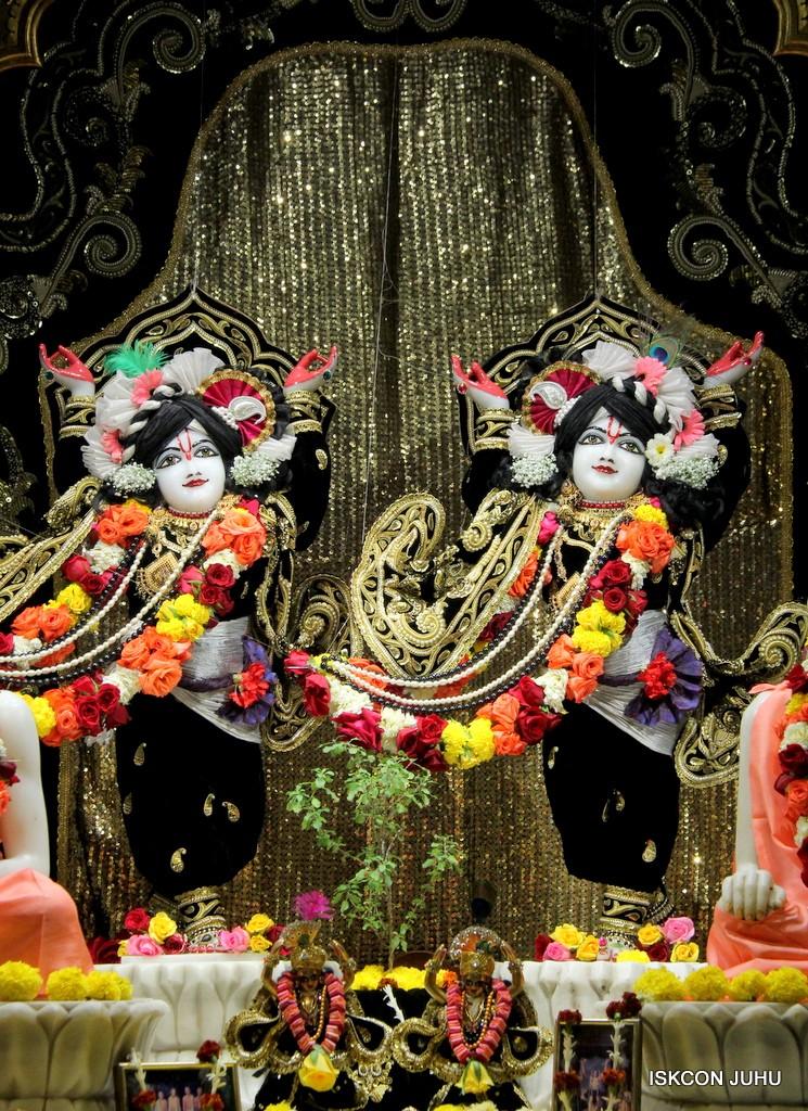ISKCON Juhu Sringar Deity Darshan 7 Jan 2017  (41)