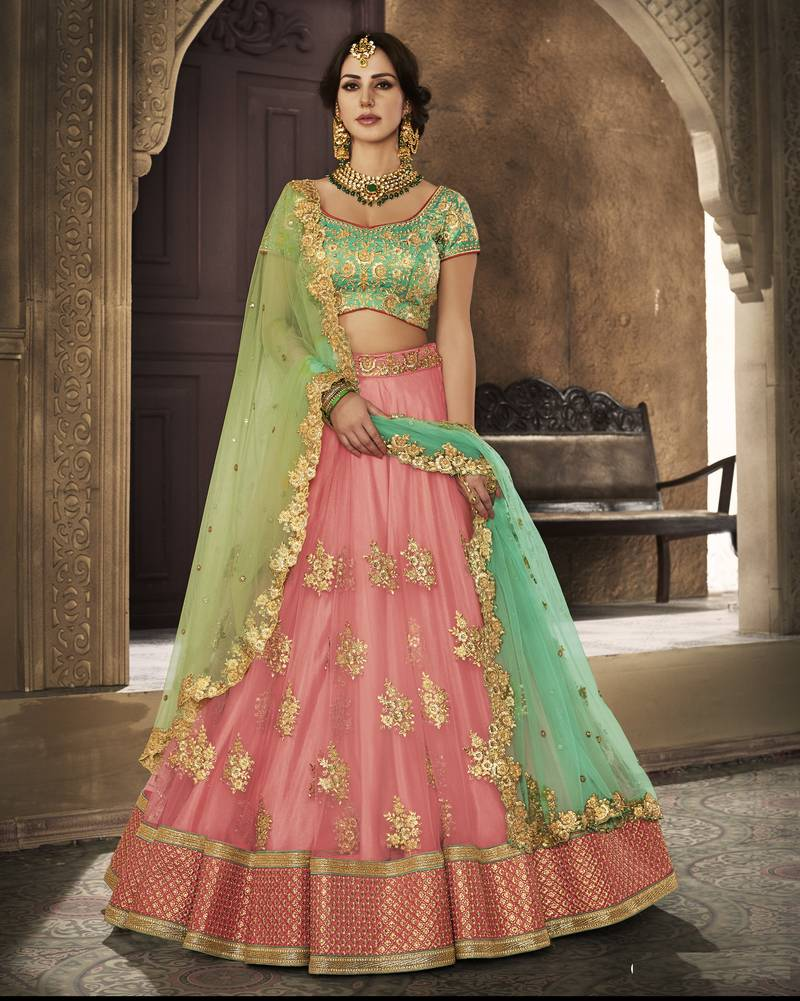 Lehengas for curvy women in 2018