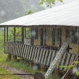 Les Carbets de Coralie, sur l'ancien site d'orpaillage, sous la pluie de l'après-midi. 26 novembre 2011. Photo : J.-M. Gayman