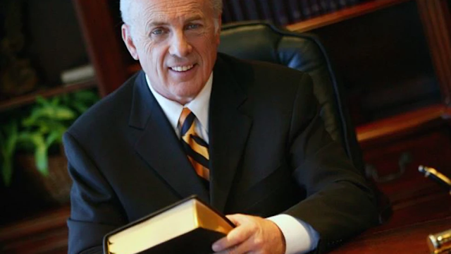 'OPEN YOUR CHURCH': Pastor John MacArthur Releases Video Explaining Why 'Church Is Essential'
