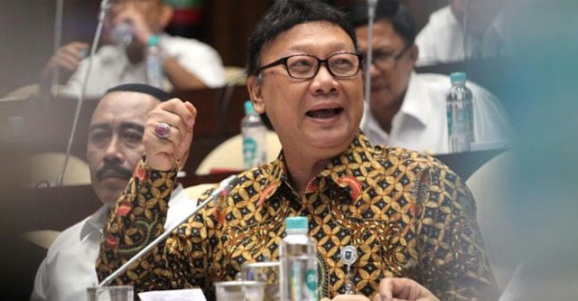 Mendagri: Jika Teriak Anti Demokrasi Pancasila, Legalitas HTI dicabut, PLAESE PAK JANGAN CUMA OMDO