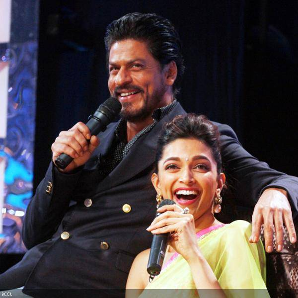 Shah Rukh Khan and Deepika Padukone having a gala time at the promotion of the movie Chennai Express, on the sets of dance reality show DID Super Moms, in Mumbai, on July 3, 2013. (Pic: Viral Bhayani)
