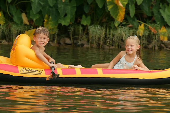 LakeSinclair.raft.jpg