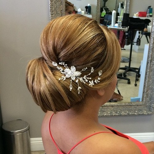 Top Smart Wedding Hair Updos In Current Year For Brides 2017-2018 8
