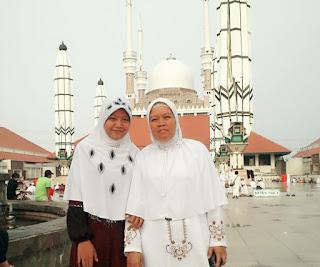 Ibuku tercinta aku merindukanmu