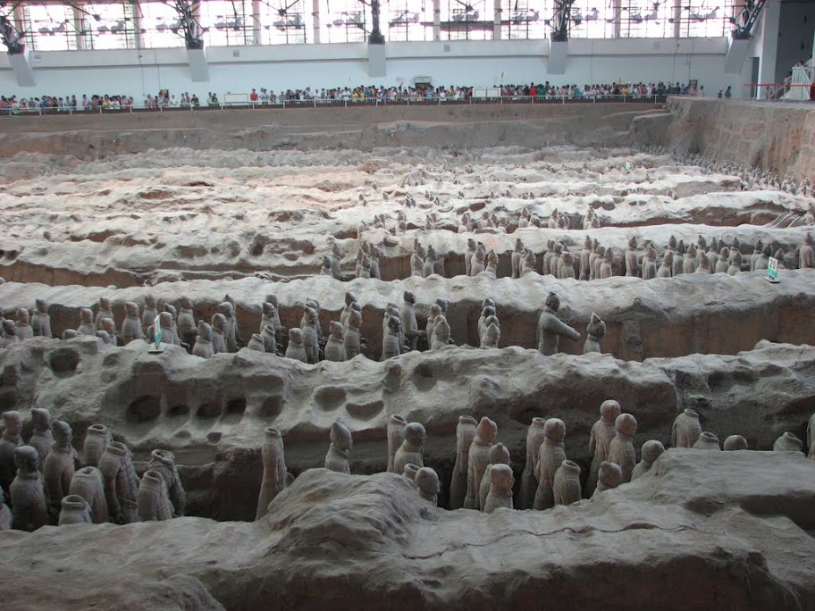 Soldats en terre cuite.