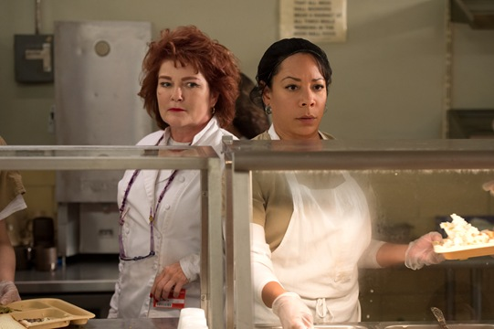 Kate Mulgrew and Selenis Levya star in OITNB season 4