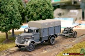 Diorama - Drivign through the battle field