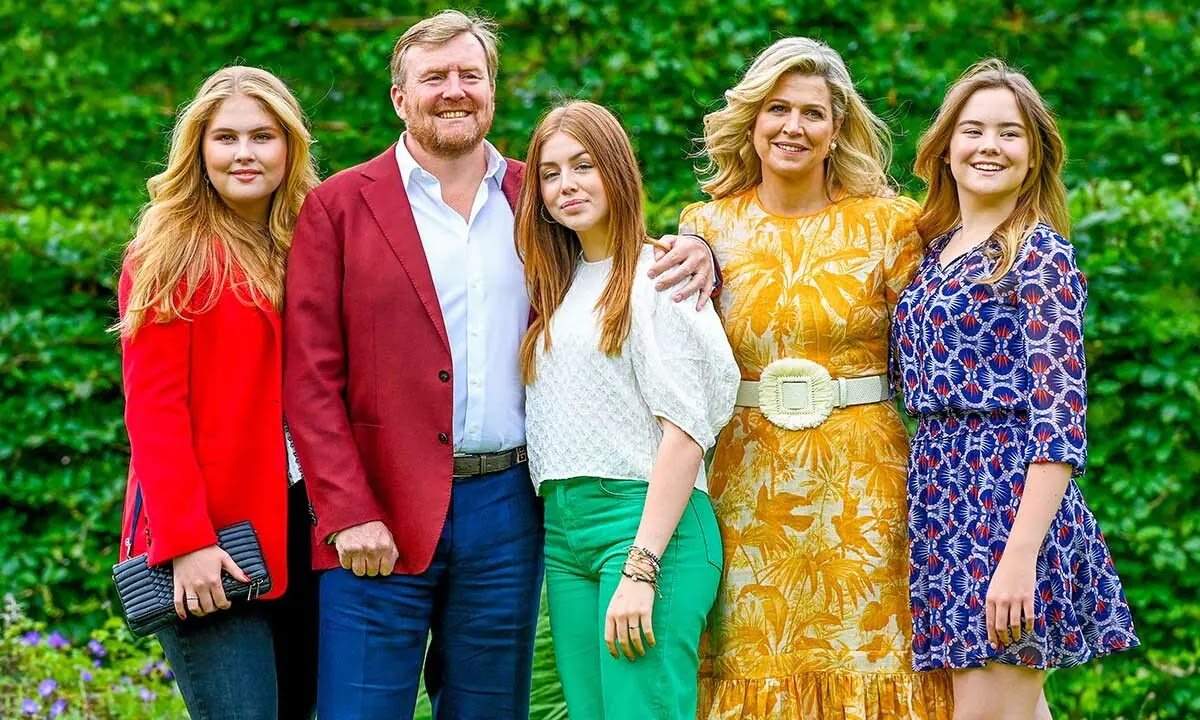 Queen Maxima Wows in Summer Family Photoshoot with Daughters