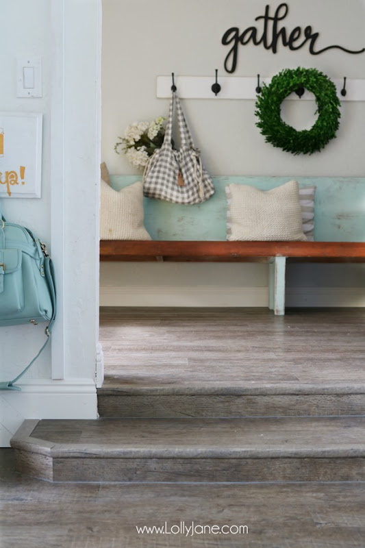 farmhouse-entryway-vinyl-planked-flooring