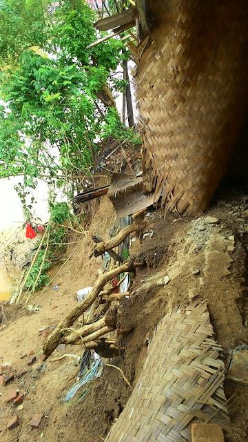 2 Rumah Tergerus Air di Tambun Utara