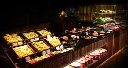 Tiệc buffet hải sản và tôm hùm ở Sài Gòn tại nhà hàng The Log