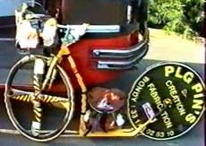 Philippe Saumont en 1992, lors du voyage Saint-Julien a Seville en Trocyclette