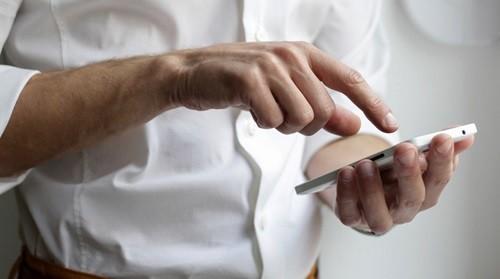 Penyebab dan Solusi HP Android Getar Sendiri 4 Penyebab & Solusi HP Android Getar Sendiri (🔥UPDATED)