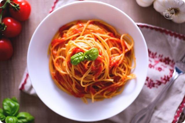spaghetti-al-sugo-estivo