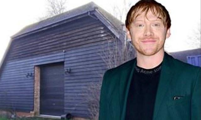 O Astro de Harry Potter, Rupert Grint, enfurece os vizinhos de sua mansão de £ 5,4 milhões com planos de transformar um celeiro atrás de sua residência do século 18 em TRÊS casas residenciais