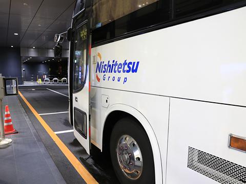 西鉄高速バス「桜島号」夜行便 4012 鹿児島中央駅改札中 その2
