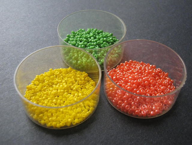 Tupperware Bead Palette
