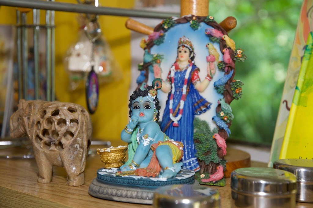 ISKCON New Govardhana Deity Darshan 22 Dec 2016 (24)