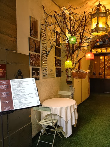 Image of a cute little restaurant in Bergamo Citta Alta.