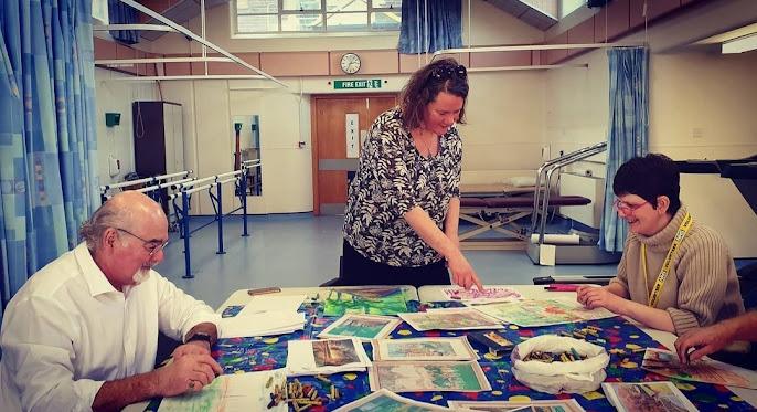Karen Thompson running Art Workshops at Scarborough Hospital