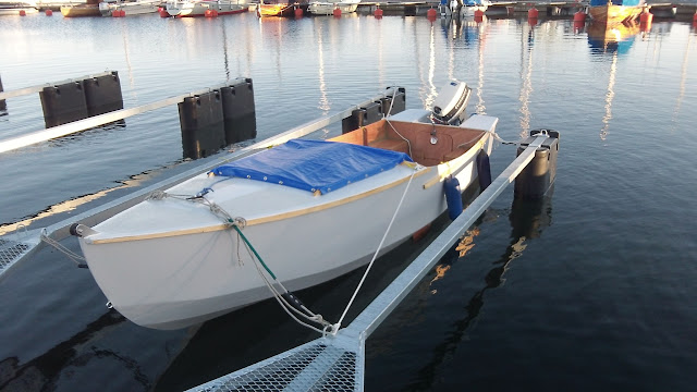 DK18 based build  A modified low Horsepower planing boat
