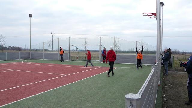 Priateľský futbalový zápas žien z JUHu a z Lábu - P1070333.JPG