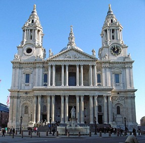 605px-St_Pauls_Cathedral_from_West_adj